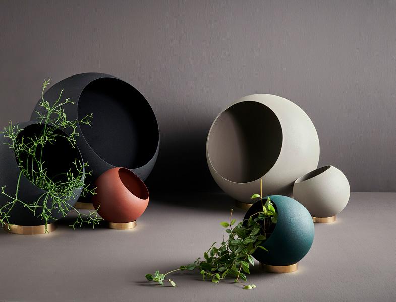 AYTM-Globe-Flowerpot.jpg